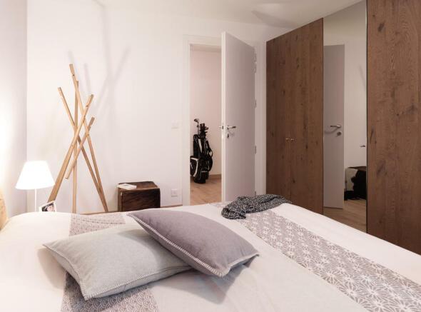 4f7_Biber_bedroom-2