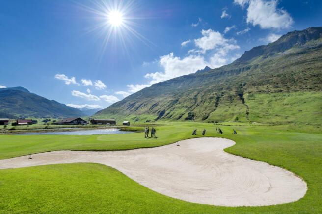 Golf course Andermatt Chedi Residences