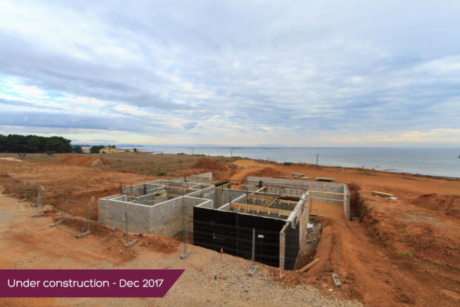 Frontline premium villa under construction - Dec 2017