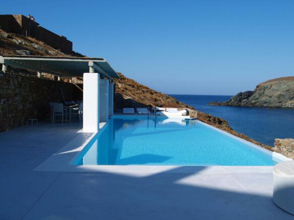 Swimming pool covered terrace sun Fokos Mykonos