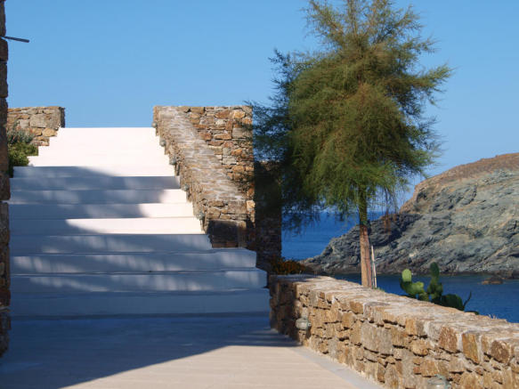 Entrance steps Fokos Mykonos