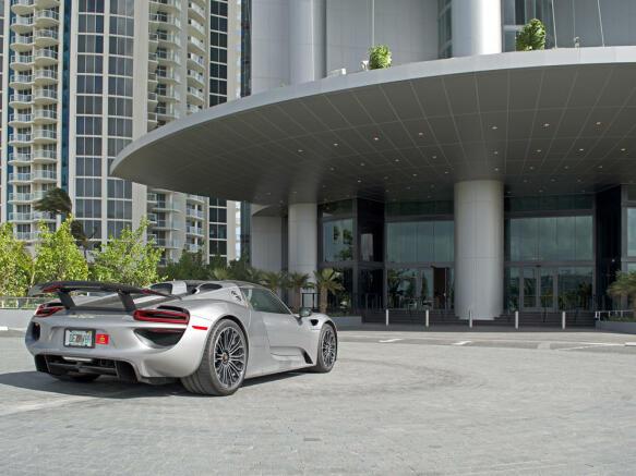 Porsche Design Tower in Miami - car porche
