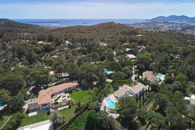 Aerial view of 5-bed villa in Mougins with Mediterranean Sea in the distance