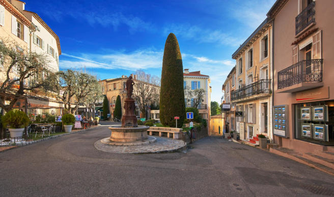 Street view of the town of Mougins in the Cote d'Azur, southern France