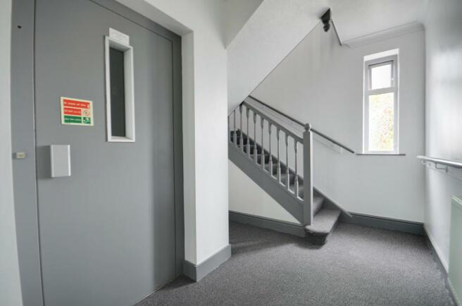 Lift to 1st Floor