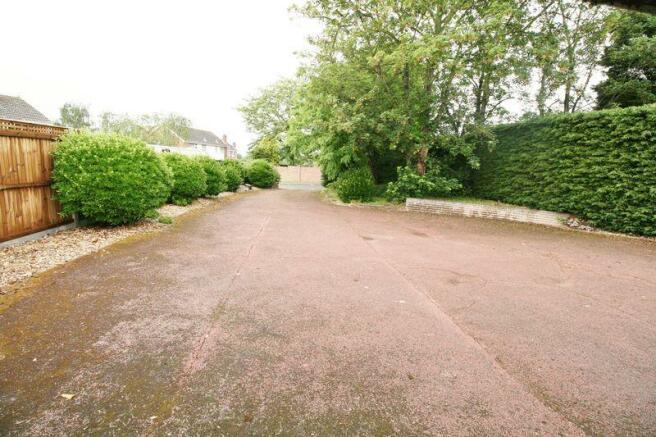 Manor House Way