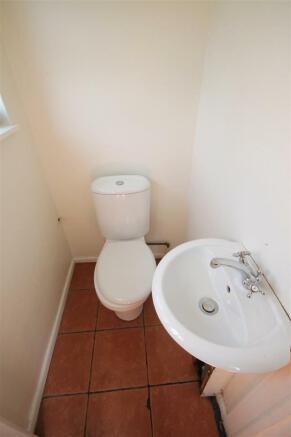 163 Barton Rd Downstairs wc.JPG