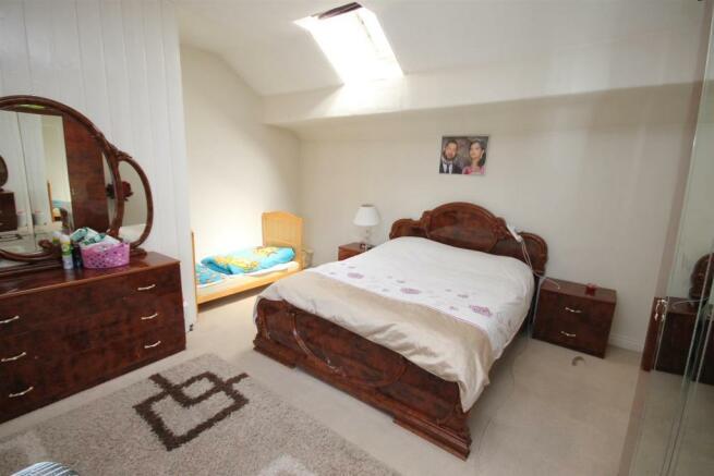163 Barton Rd Bedroom a.JPG