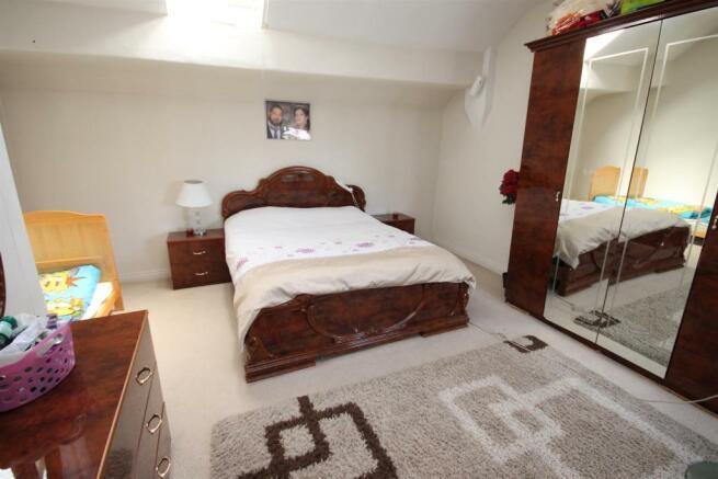 163 Barton Rd Bedroom.JPG