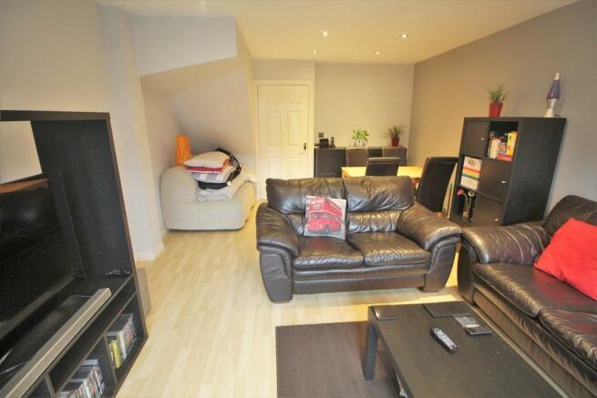 Living Room - Lou...
