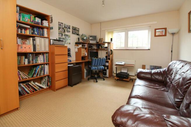 Bedroom 2 / Offic...