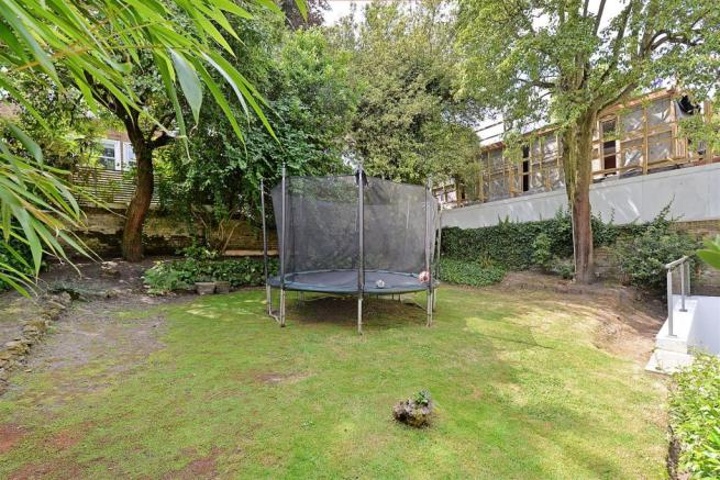 3 bedroom apartment for sale in Rosslyn Hill, London, NW3