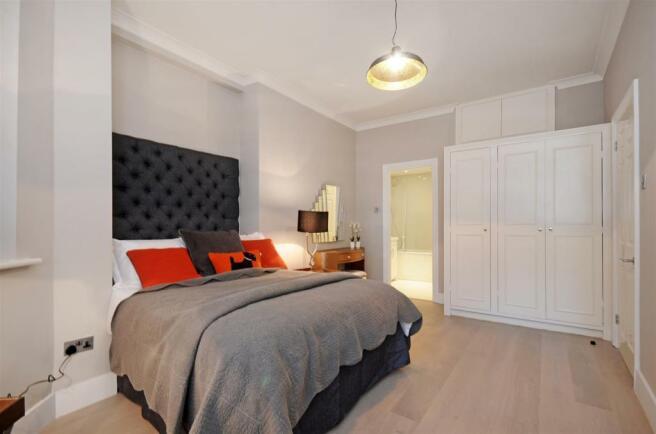 GF 95 FJ master bedroom 2.jpg
