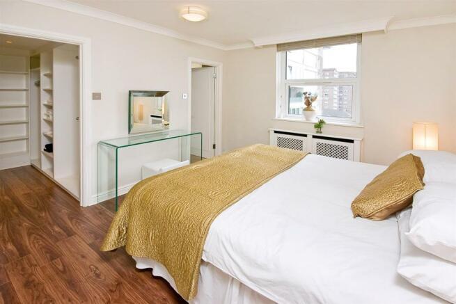 47 boydell court-bed1.jpg