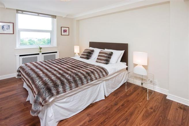 47 boydell court-bed2 (Medium).jpg