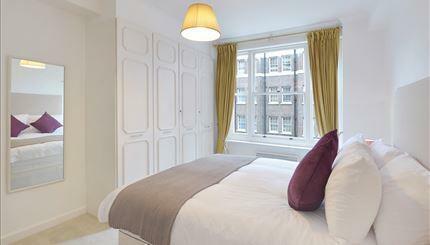 Flat 47 Bed.jpg