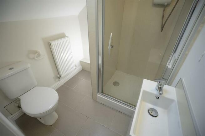 10 harcourt road shower room 2.jpg