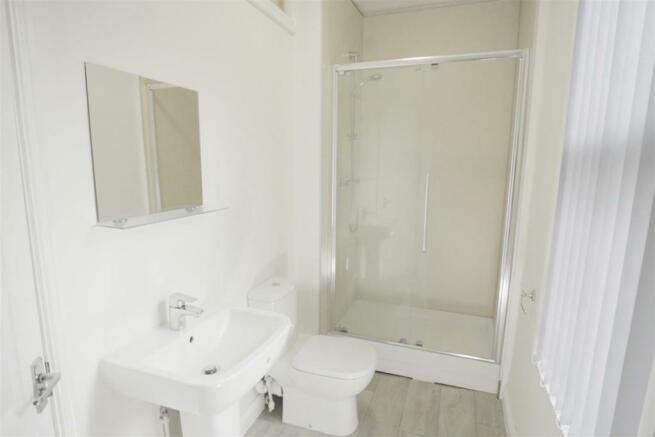 198 school road shower room 2.jpg