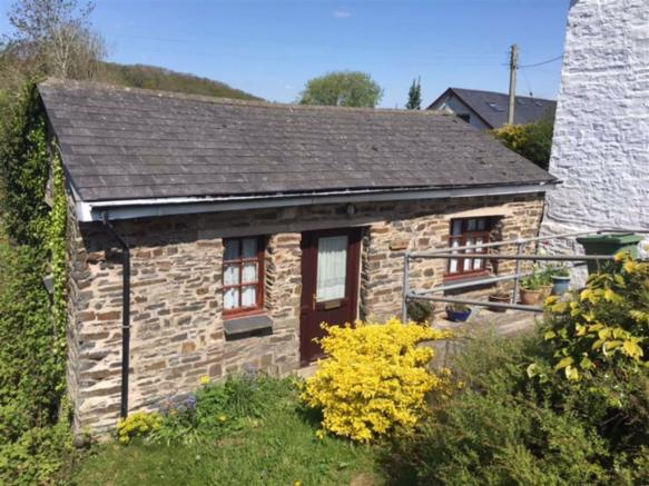 Ger Y Bont a self contained annexe comprising