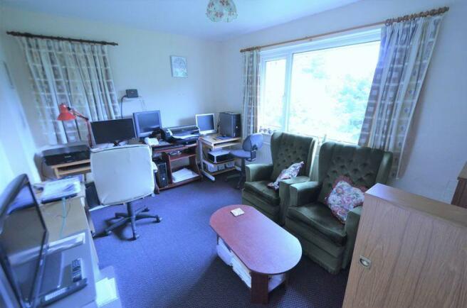 Flat 5 Lounge