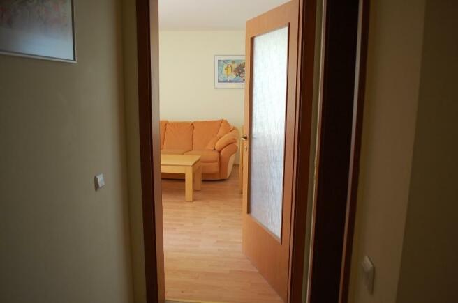 hallway to living