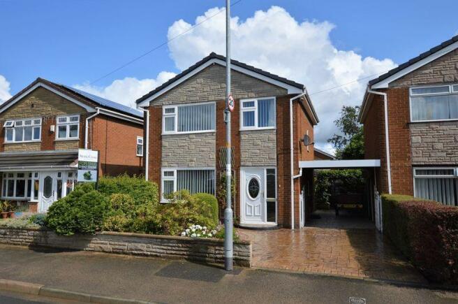 3 Bedroom Detached House For Sale In Glastonbury Avenue