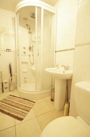 630_shower room.jpg