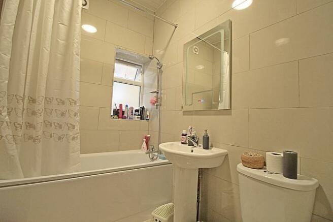 1110_bathroom.JPG