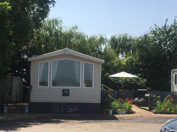 Astonishing 2 Bedroom Mobile Home For Sale In Floods Ferry Marina Park Download Free Architecture Designs Xerocsunscenecom