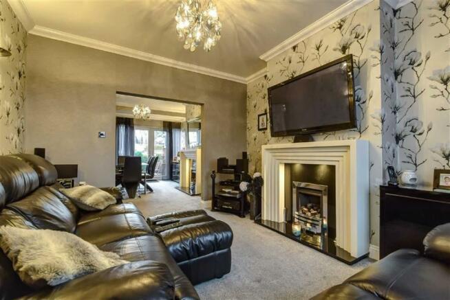 Living Room (Alternative view)