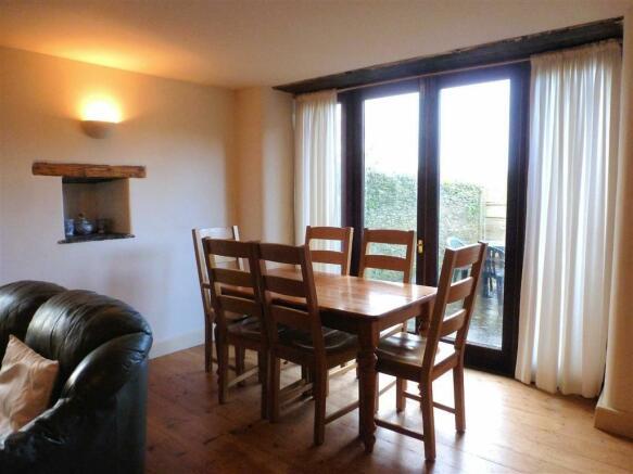 OPEN PLAN SITTING/DINING/KITCHEN
