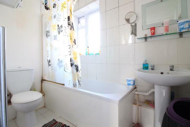 Family Bathroom/ WC