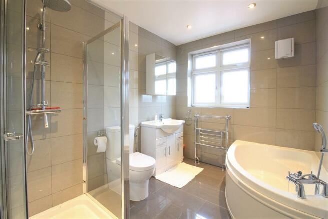 Family Bathroom Suite
