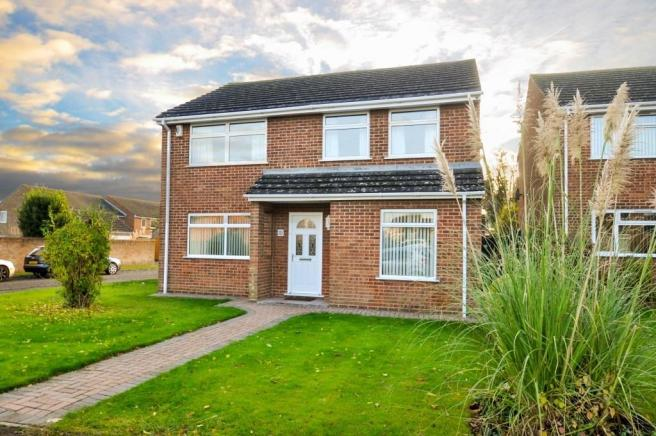 4 Bedroom Detached House For Sale In 6 Fair Close