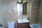 1442-bathroom