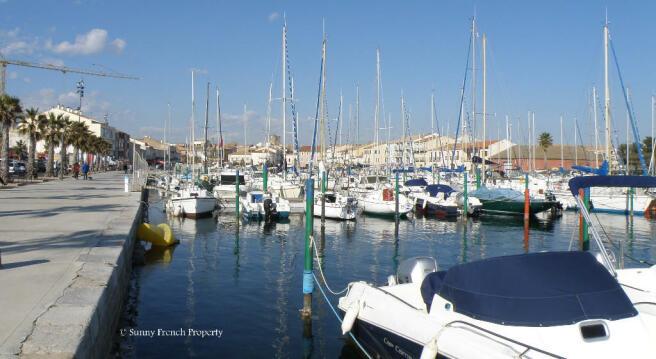 Méze harbour