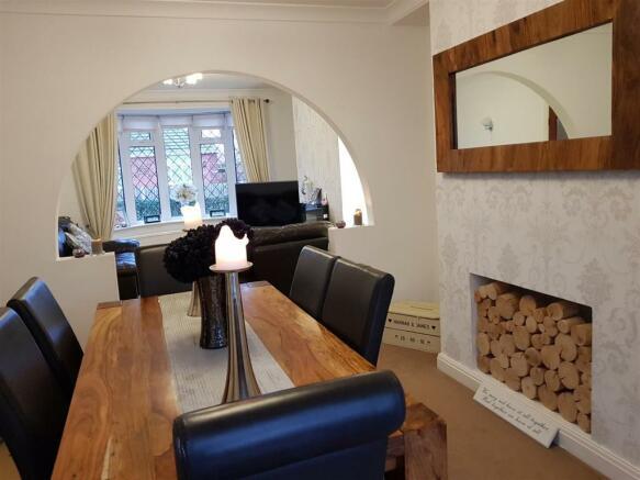woodland dining room.jpg