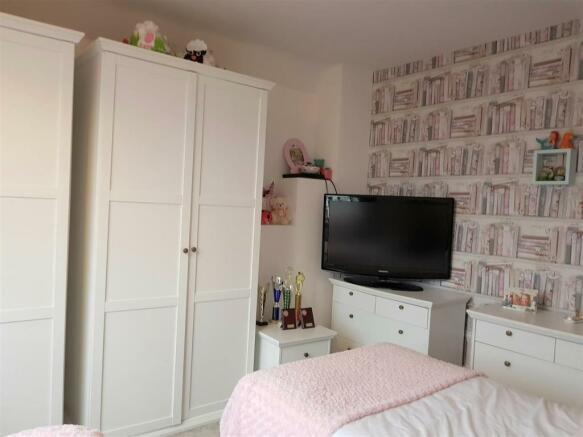woodland bedroom 2.jpg