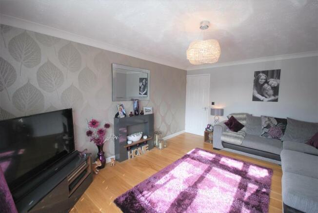 2 - Living Room .jpg