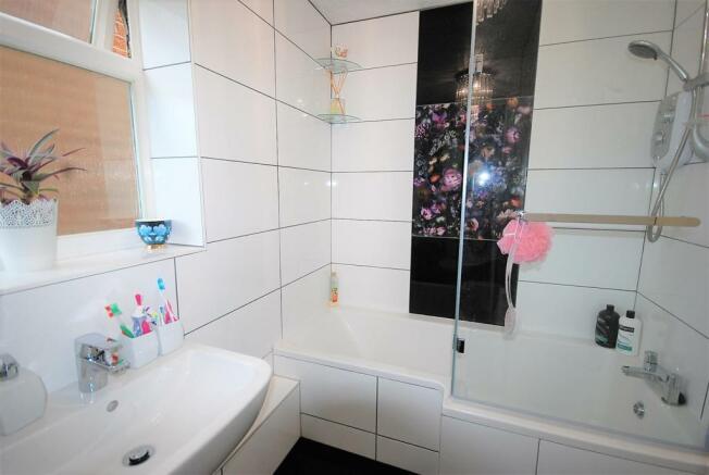 29 - Fam Bath.jpg