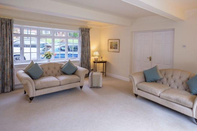 4 Bedroom Detached House For Sale In Perton Road