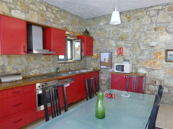 Kitchen in Erato