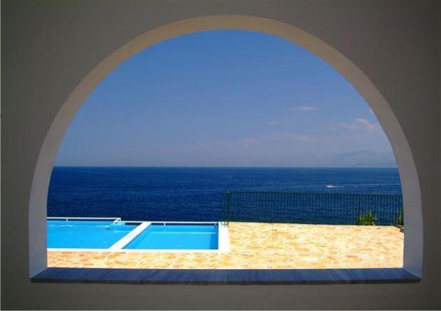 view from the terrace over the pool