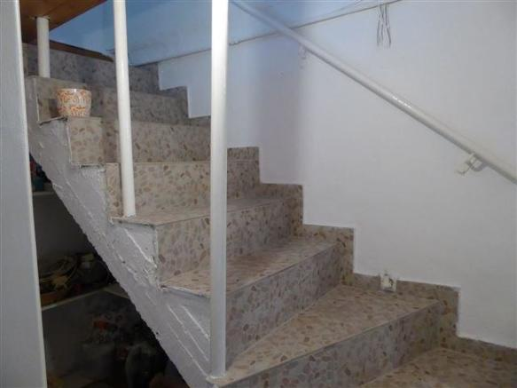 steps to the lower ground floor