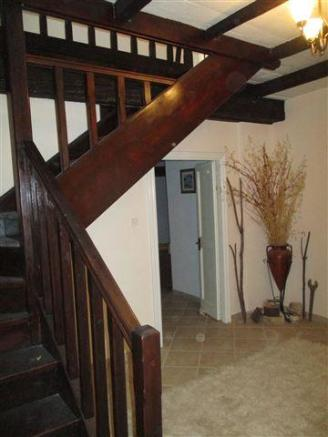 stairs to first floor bedrooms