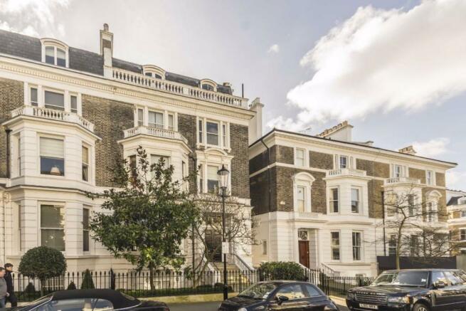 2 bedroom flat to rent in Upper Phillimore Gardens