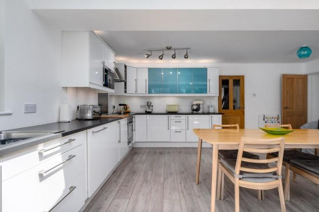 4 Bedroom Detached House For Sale In Trehern Close Knowle