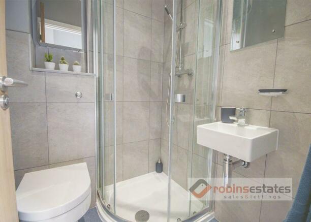 Showroom En-suite