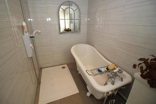 Feature Bath Tub