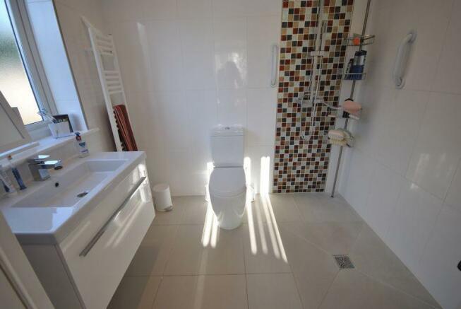 Annex Wet Room
